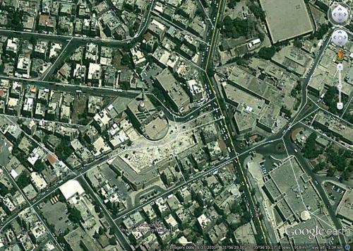 Satellite view showing Abu Darweesh Mosque, the public plaza to its south, and the    surrounding neighborhood.   صورة ساتلايت مأخوذة من موقع غوغل لمسجد أبو درويش تبين الساحة العامة المحاذية للمسجد والمنطقة المحيطة به