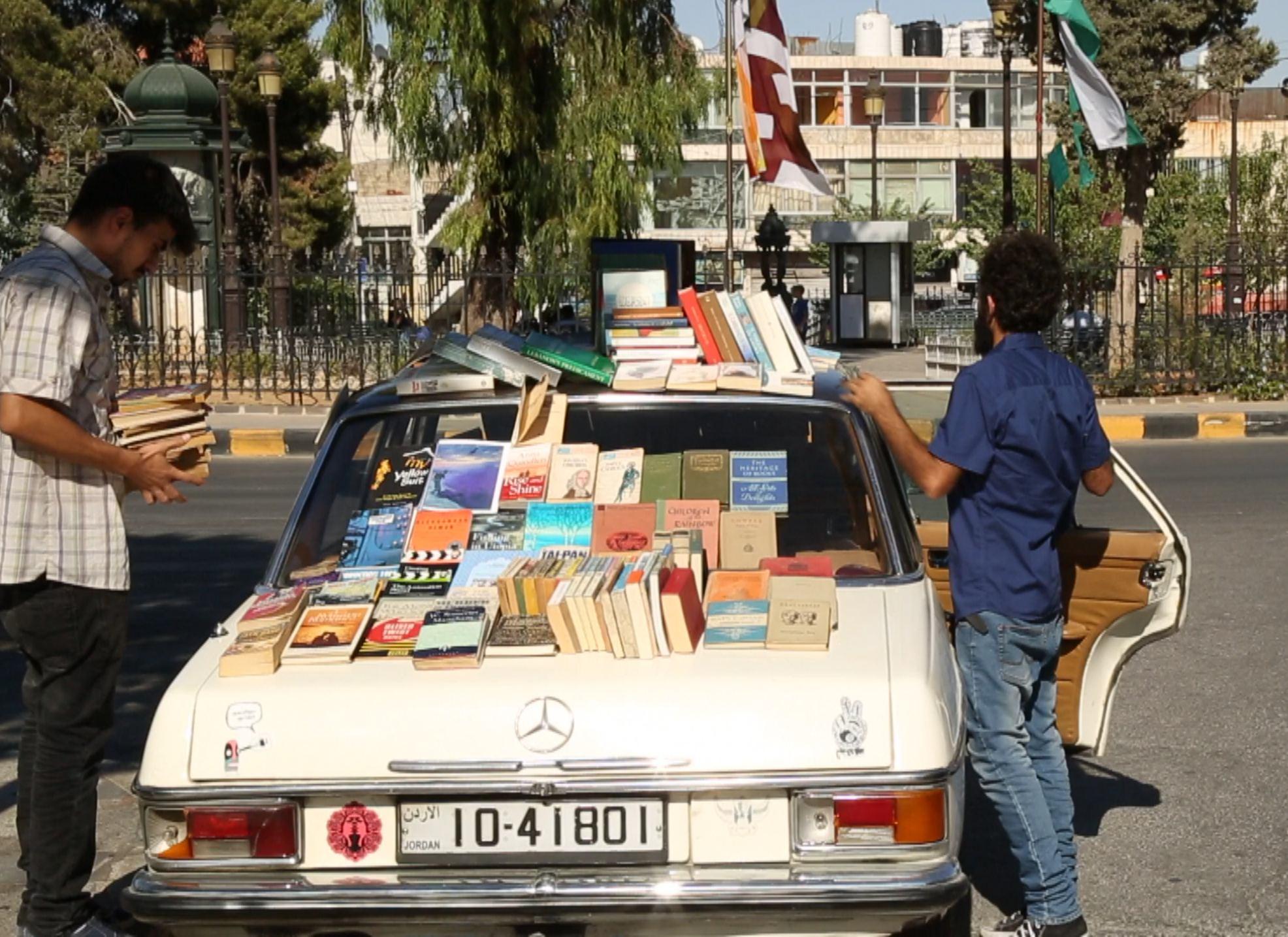 www.nsaem.net_1463_شاب-أردني-يوفر-كتبا-نادرة-عبر-مكتبة-متن_.jpg.jpg