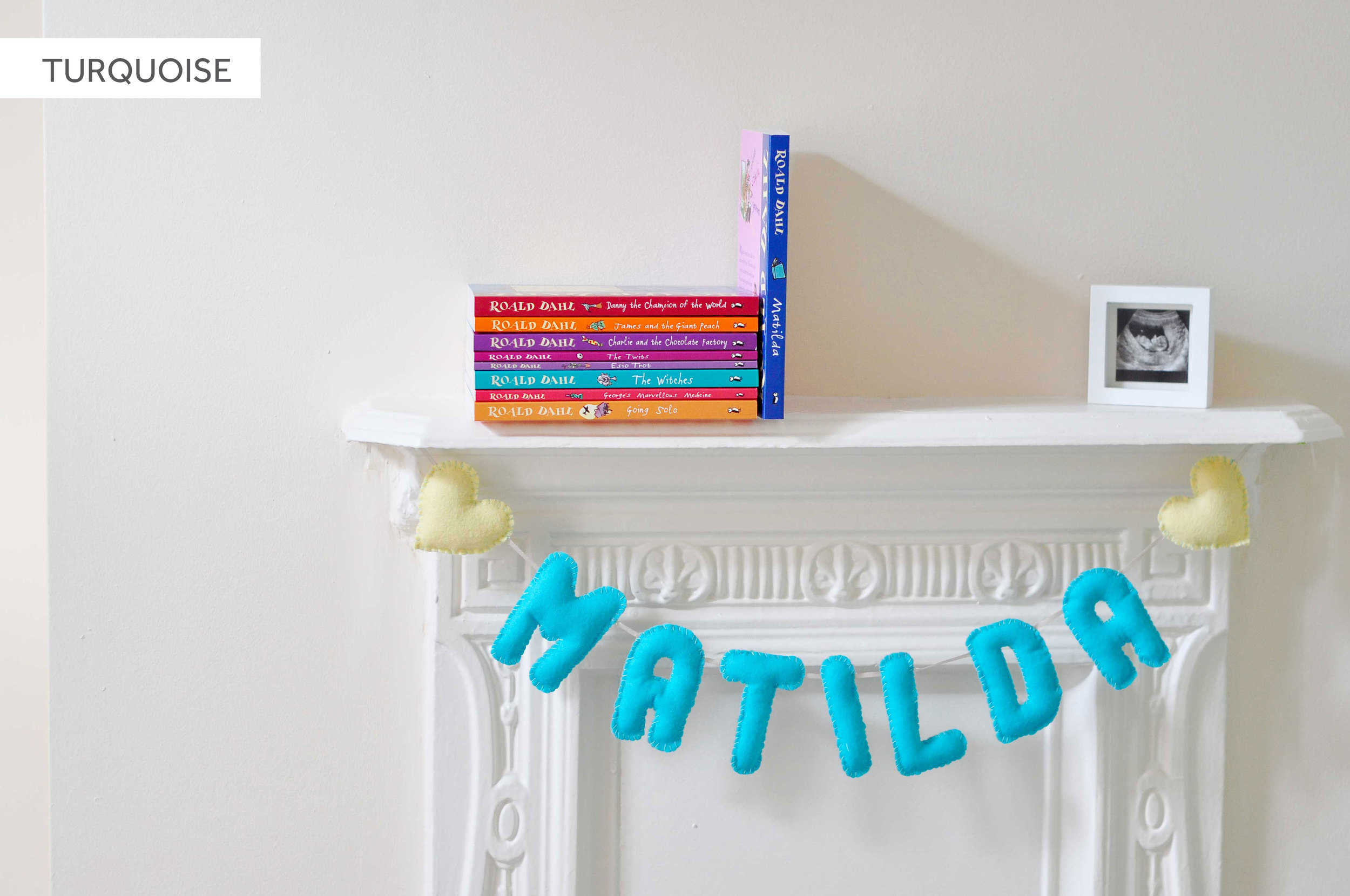 TURQUOISE BABY NAME BUNTING