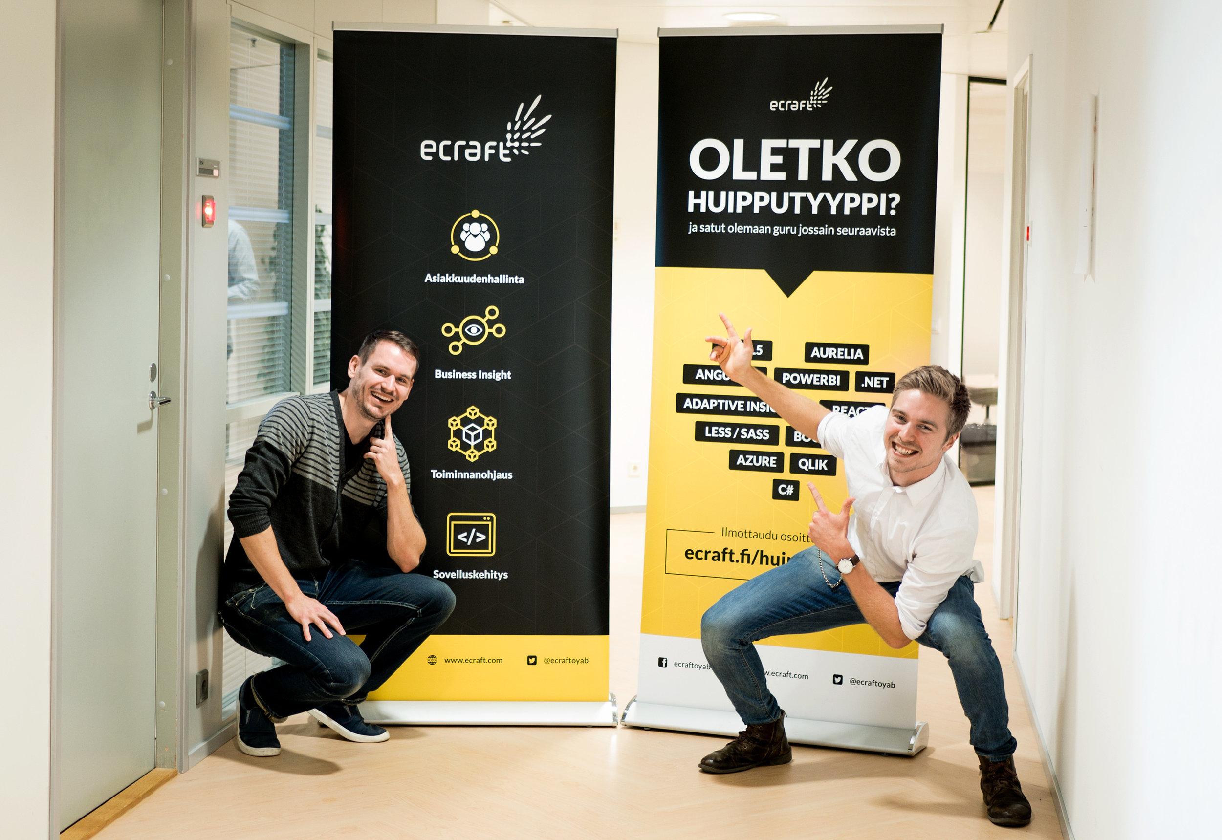 UX-arkkitehti Petteri ja Art Director Juho rekryävät TalentIT -messuilla tiimiinsä uusia kavereita. Haussa niin BI-konsultteja kuin devaajia.