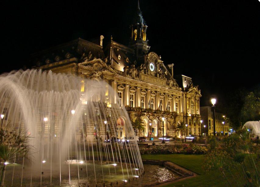 PHOTO ville de TOURS de nuit.PNG