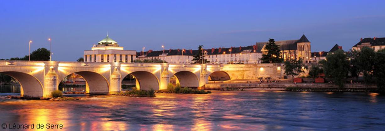 PHOTO ville de TOURS pont Napoleon.PNG
