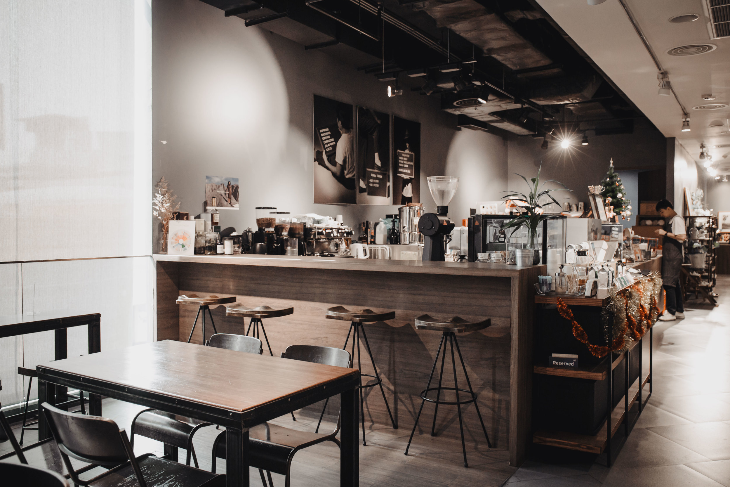 brave roasters siam discovery bangkok