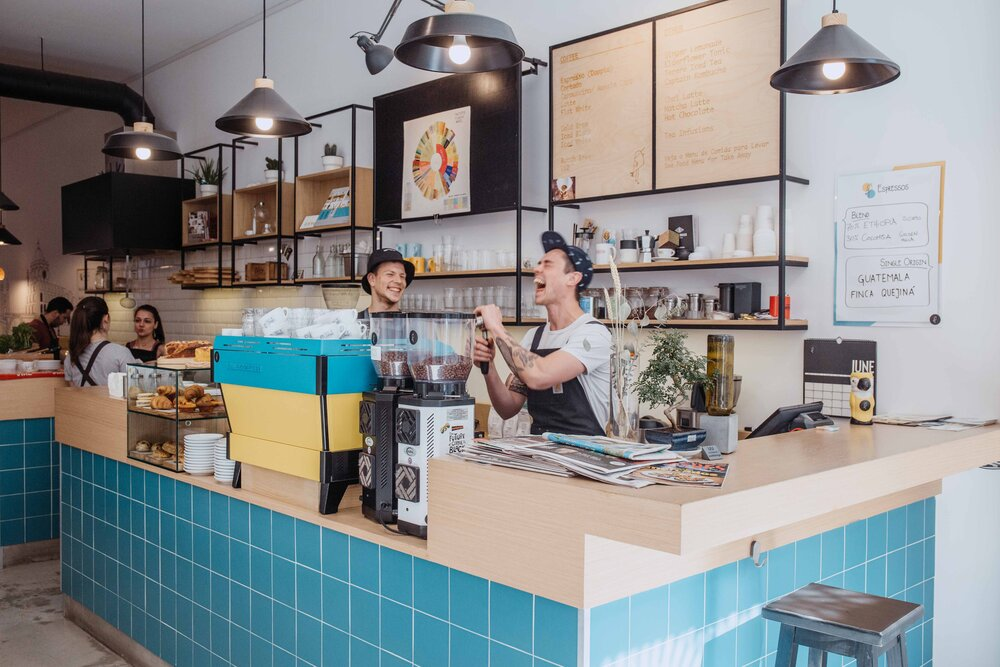 bird of passage cafe porto