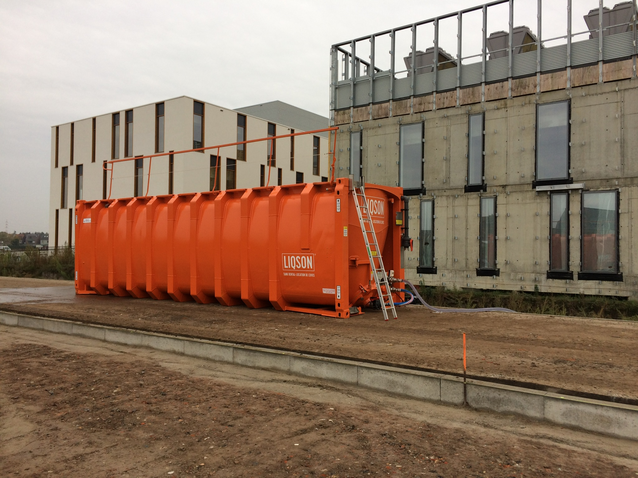 LIQSON rental tank