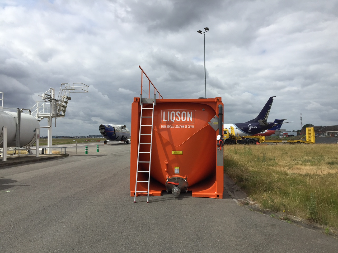 Opslagtank vliegtuig de-icing glycol