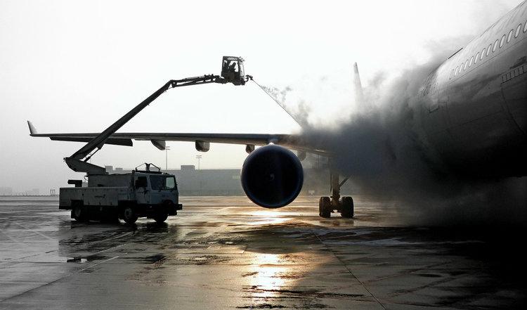produit dégivrant avions