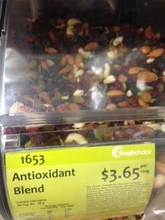Een antioxidanten mix. Met suiker en een legio aan (slechte) e-nummers en plantaardige olie.