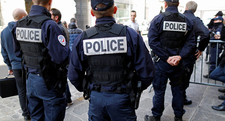 police w: body armor .jpg