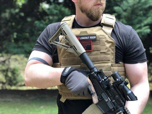 plate carrier w: rifle.jpg