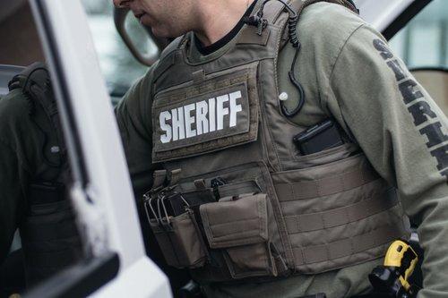 sheriff w:body armor.jpg