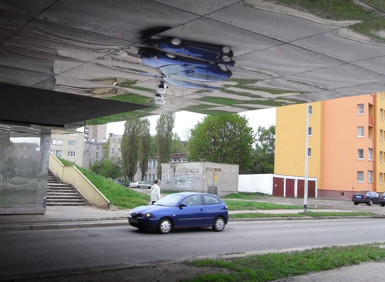 05_InvGate-CarBelow.jpg