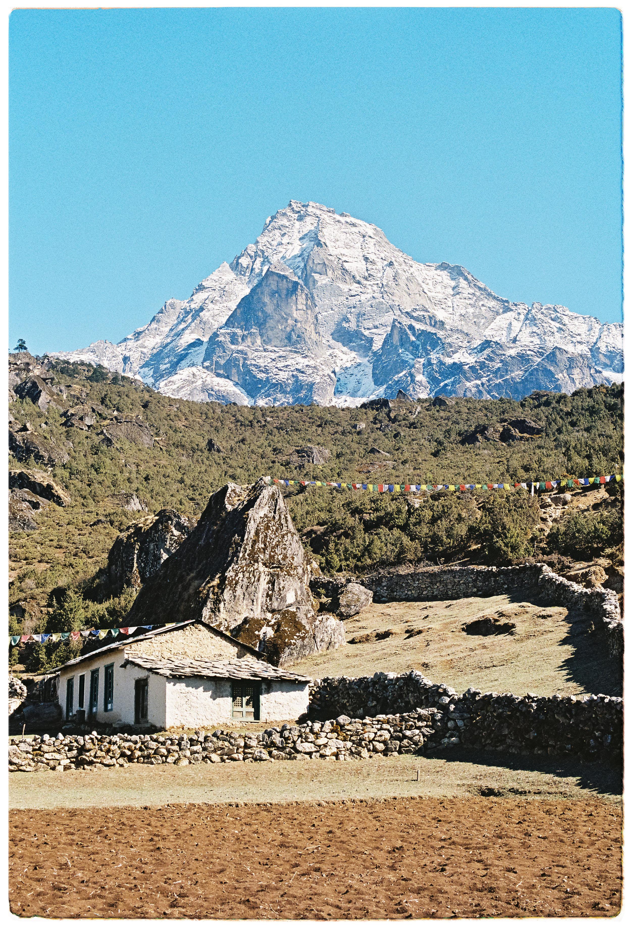 Collingwood - Everest - 02.jpg
