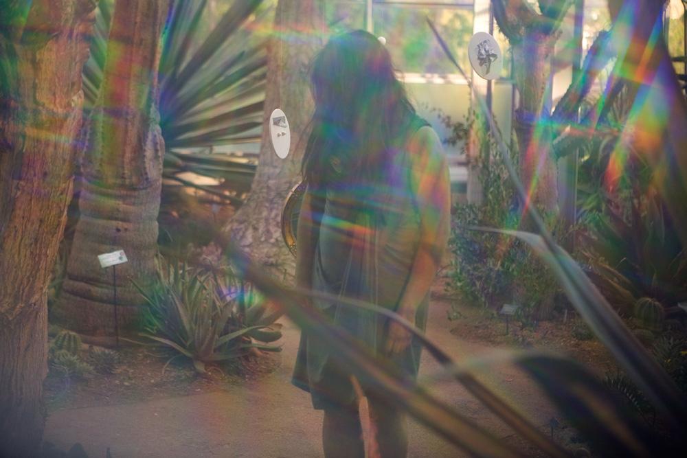 Rainbow peephole