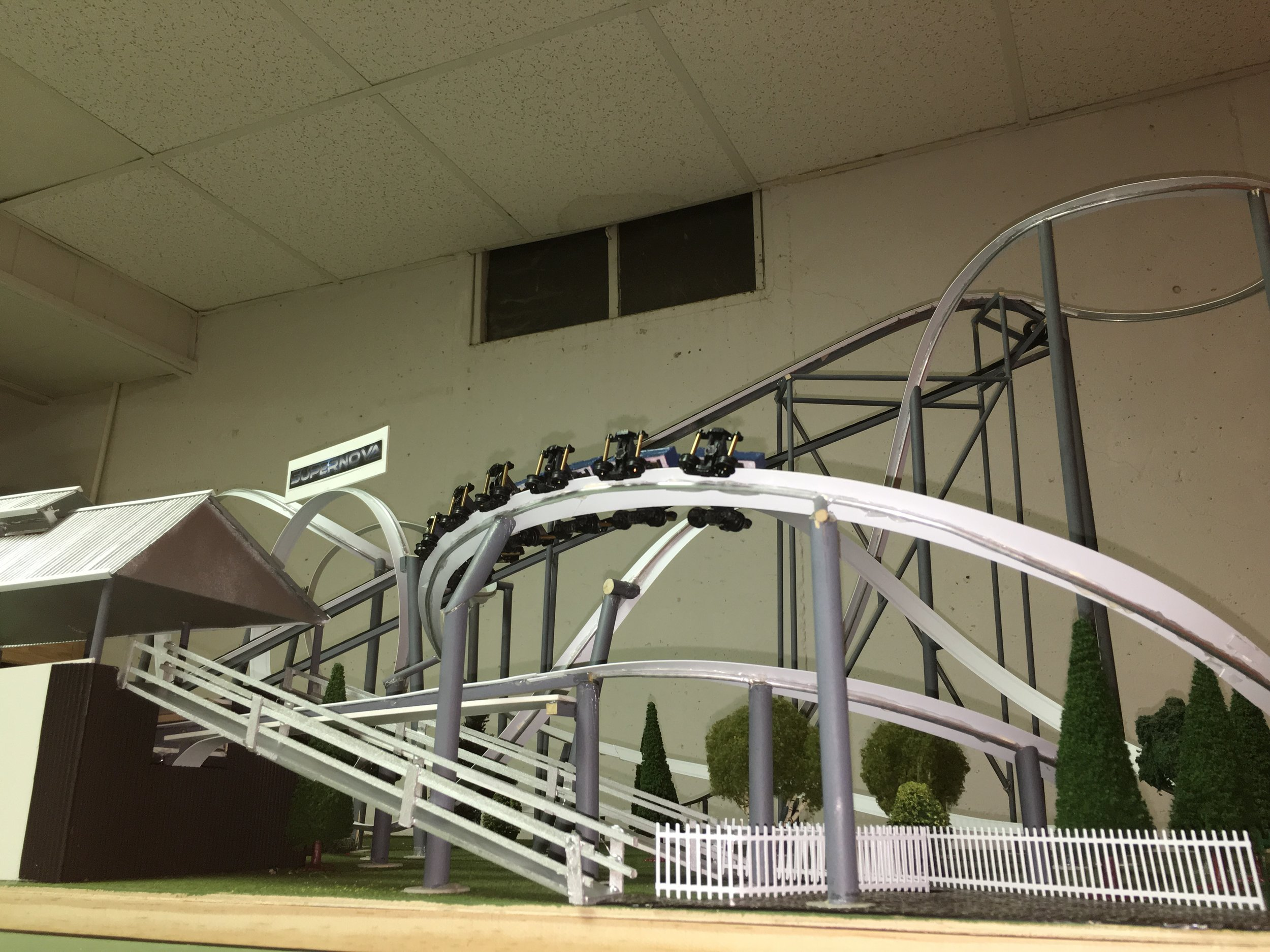 Helix showing wheel configuration under the track.
