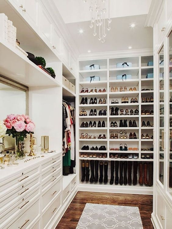 Every closet should have fresh flowers! While we're dreaming....