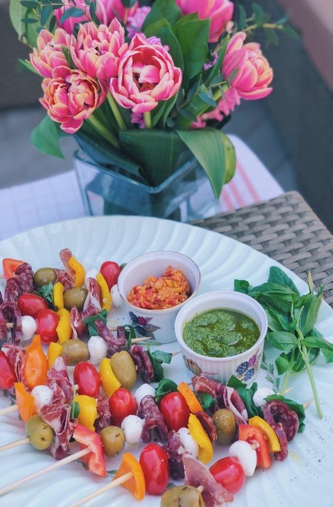 The-Pretty-Feed-Italian-Antipasto-Skewers-2.jpg