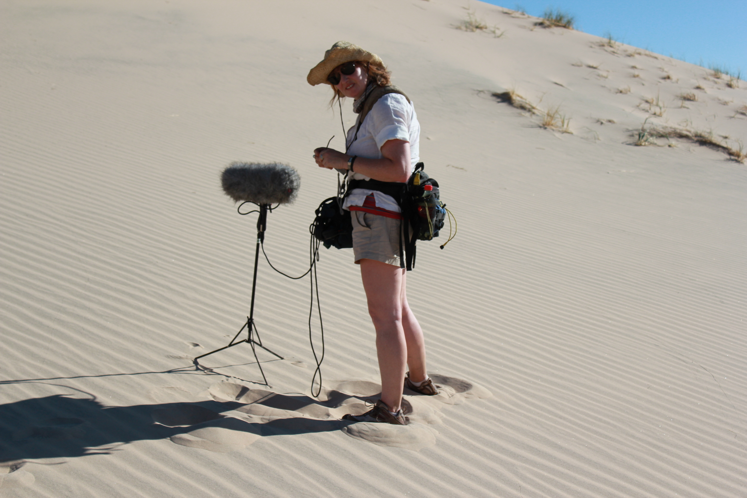 Diane Hope recording singing sand dunes.JPG