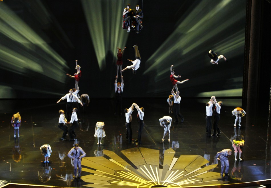 239527-at-this-years-academy-awards-ceremony-cirque-du-soleil-took-to-the-sta.jpg