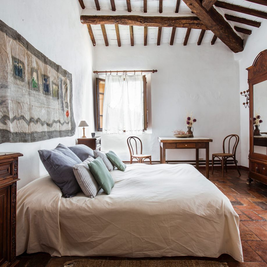 Master Suite - More Private and secluded room, private bath for a single person seeking privacy or for a couple.As a single: $3,500($3000 Per Person shared)