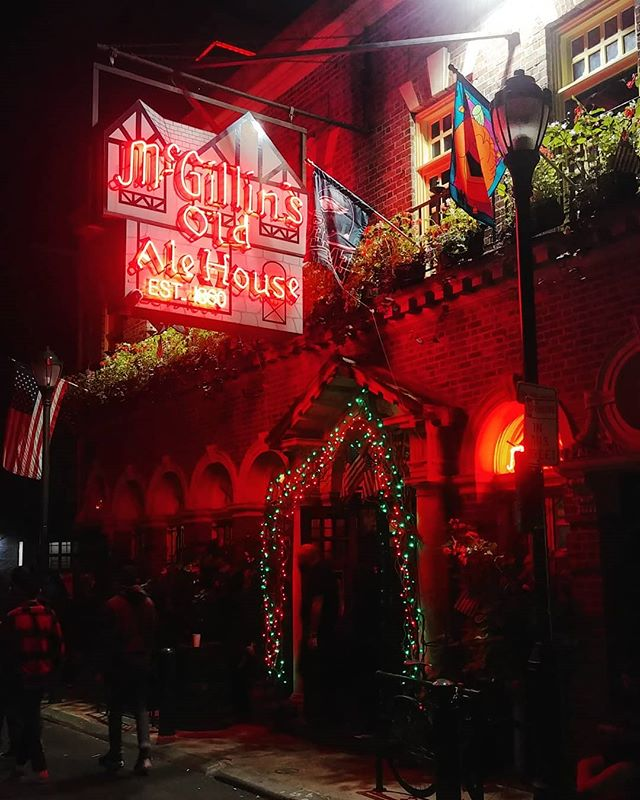 Oldest continuously operating bar in Philadelphia