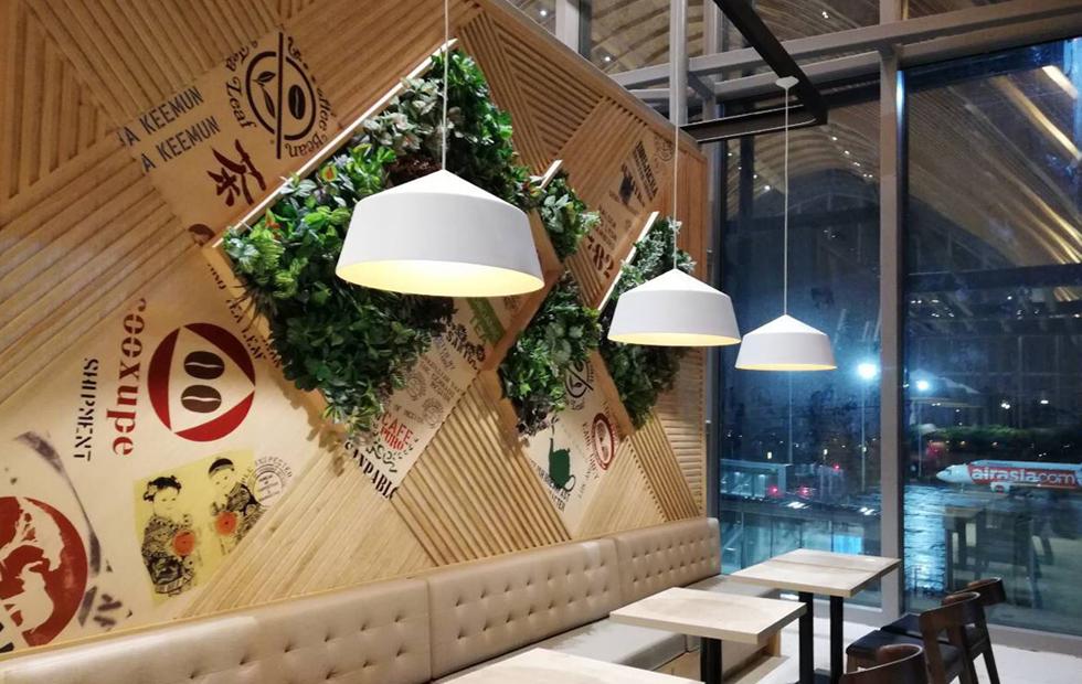CIRCUS-at-Coffee-Bean-and-Tea-Leaf-Mactan-Cebu-Airport-Philippines-2.jpg