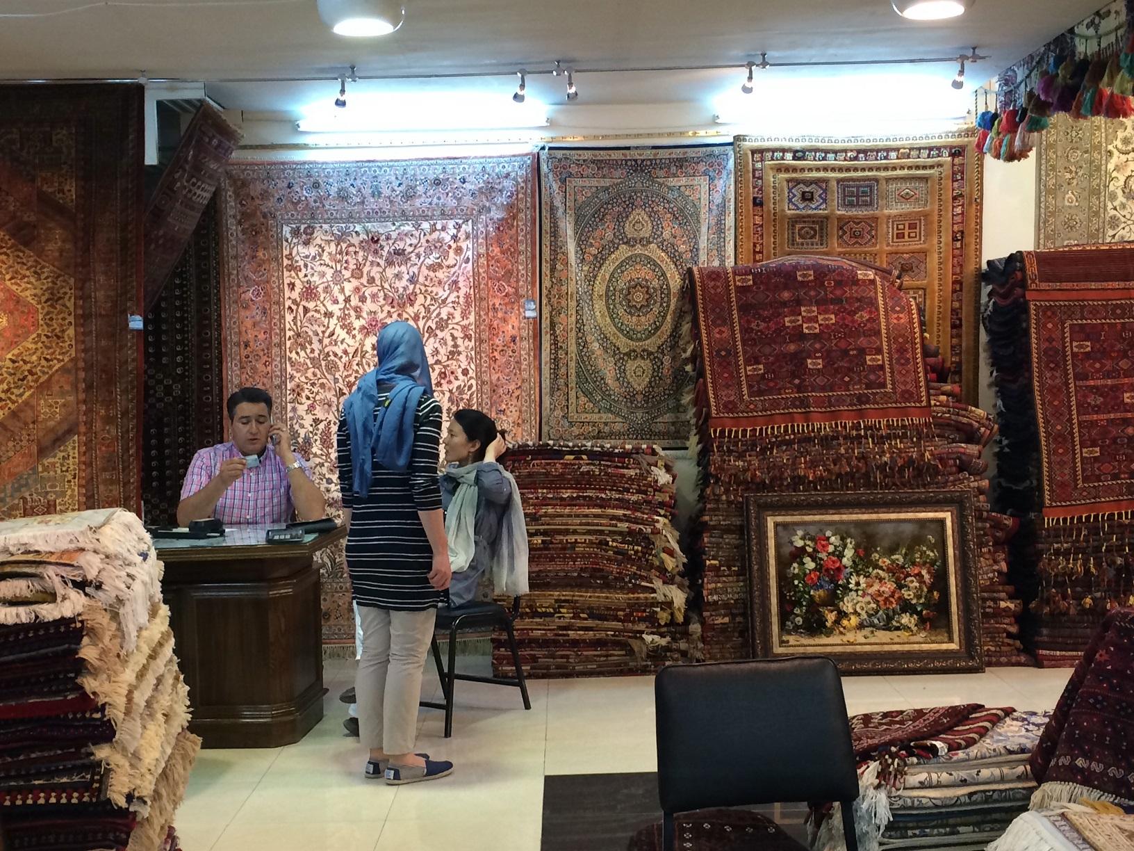 Cultural Tour of Tehran - Isfahan -Shiraz