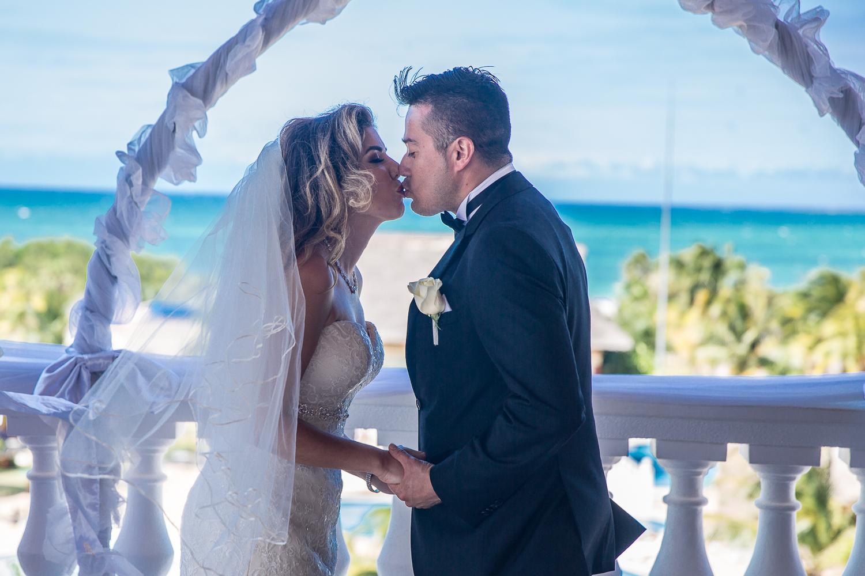 Iberostar-Laguna-Azul-Varadero-Cuba-Destination-Wedding-27.jpg
