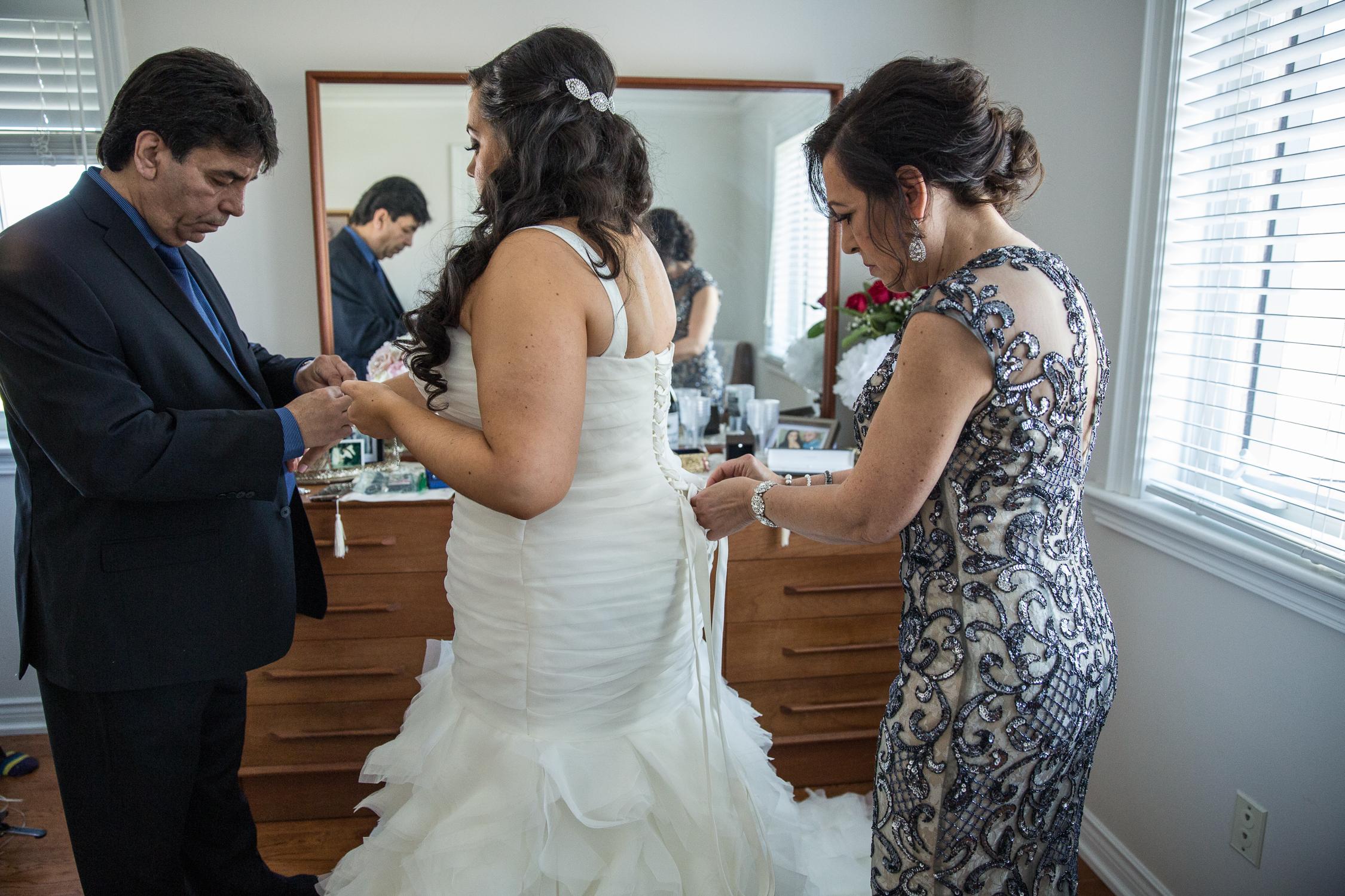 Peter-and-Marie-Wedding-Fontana-Primavera-Graydon-Hall-Manor-Toronto-Ontario-Canada-0008.jpg