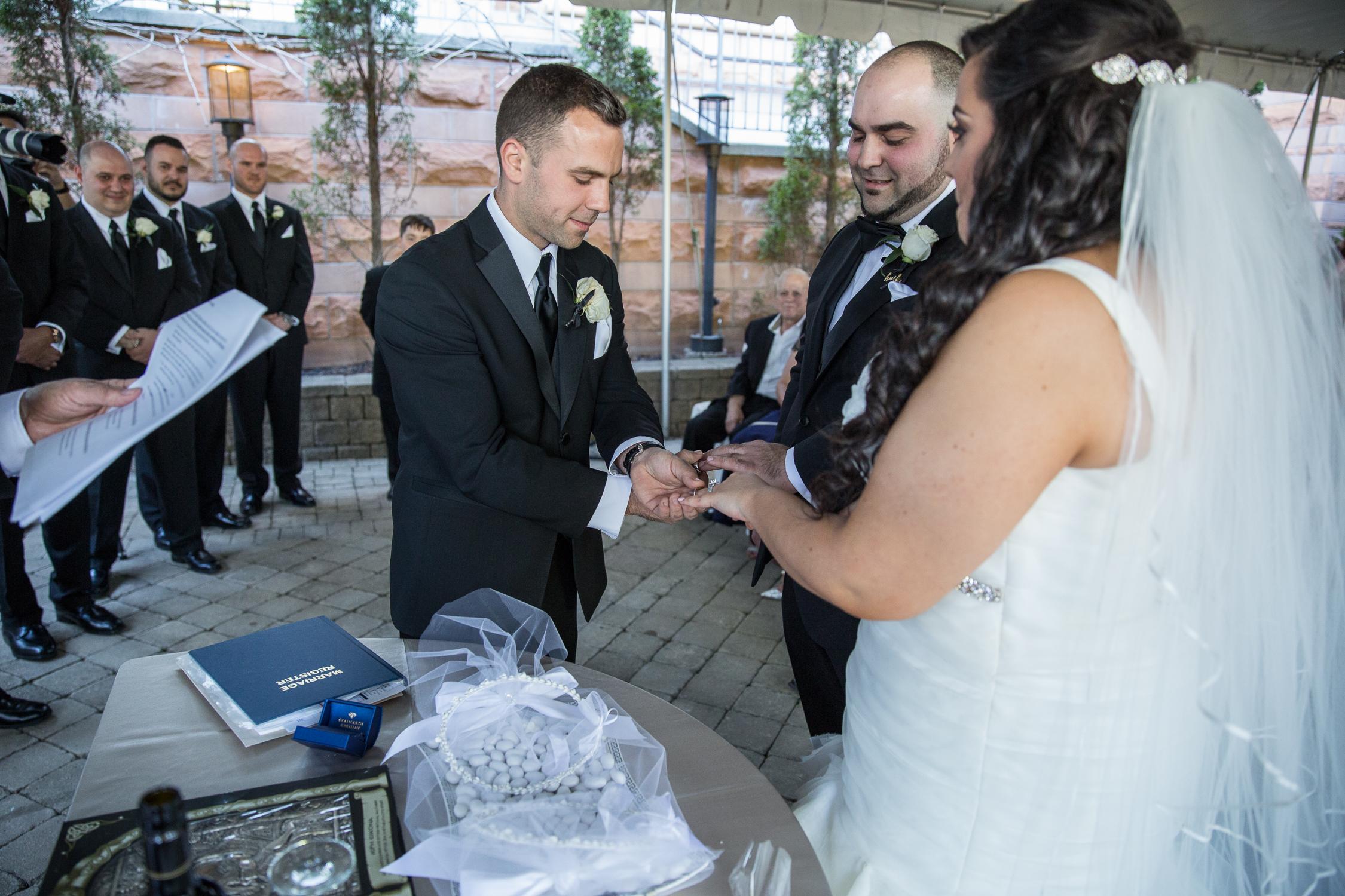Peter-and-Marie-Wedding-Fontana-Primavera-Graydon-Hall-Manor-Toronto-Ontario-Canada-0039.jpg