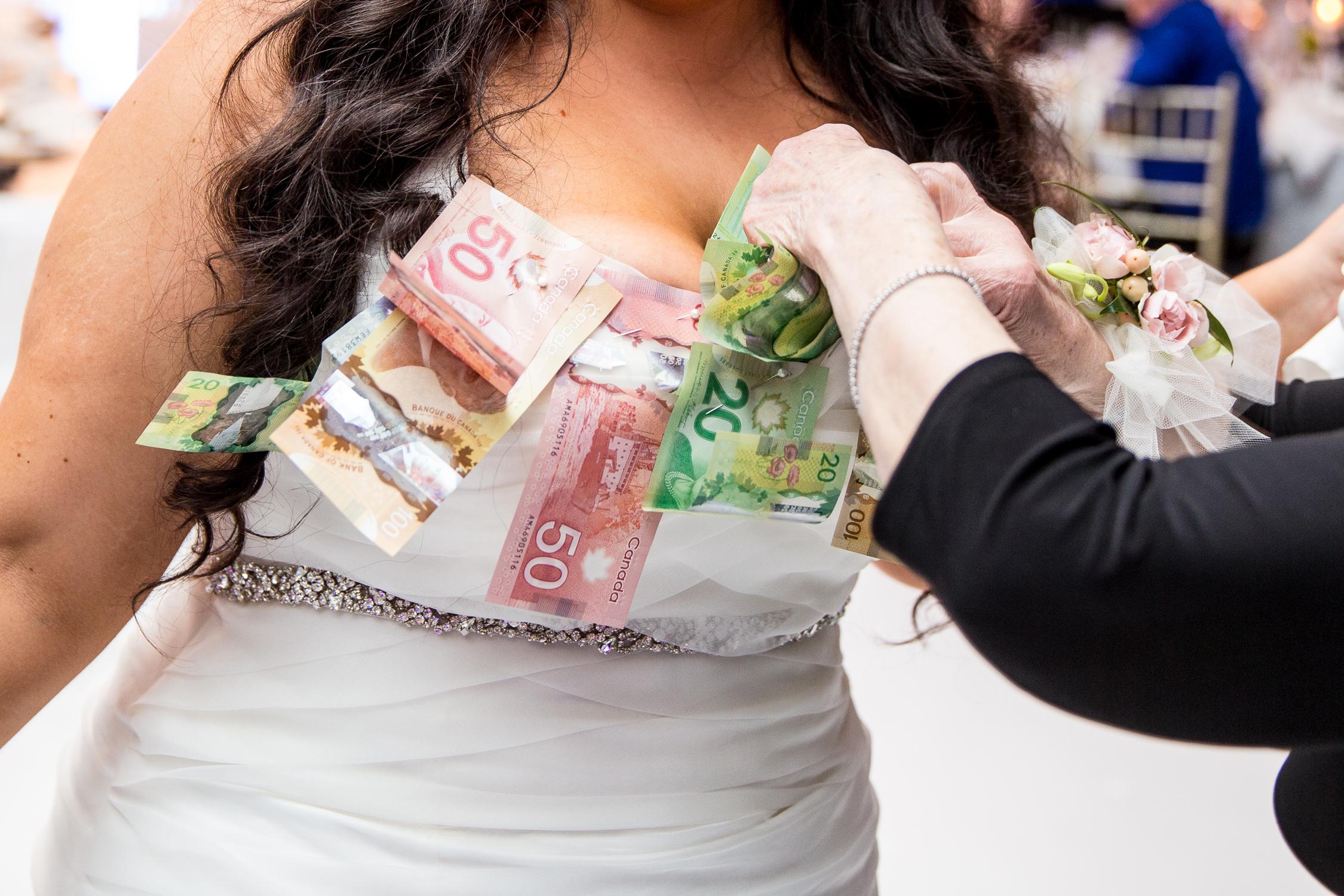 Peter-and-Marie-Wedding-Fontana-Primavera-Graydon-Hall-Manor-Toronto-Ontario-Canada-0049.jpg