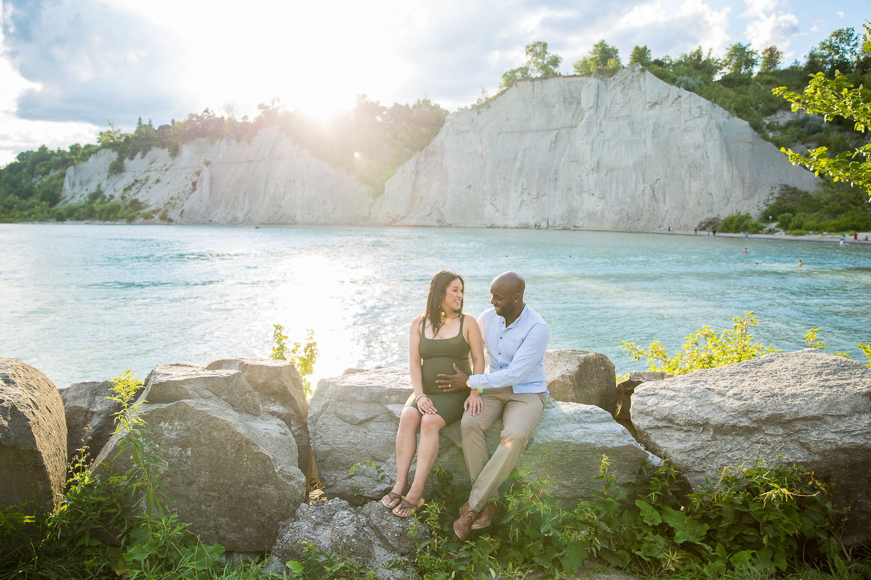 Scarborough-Bluffs-Maternity-Engagement-Shoot-0019.jpg