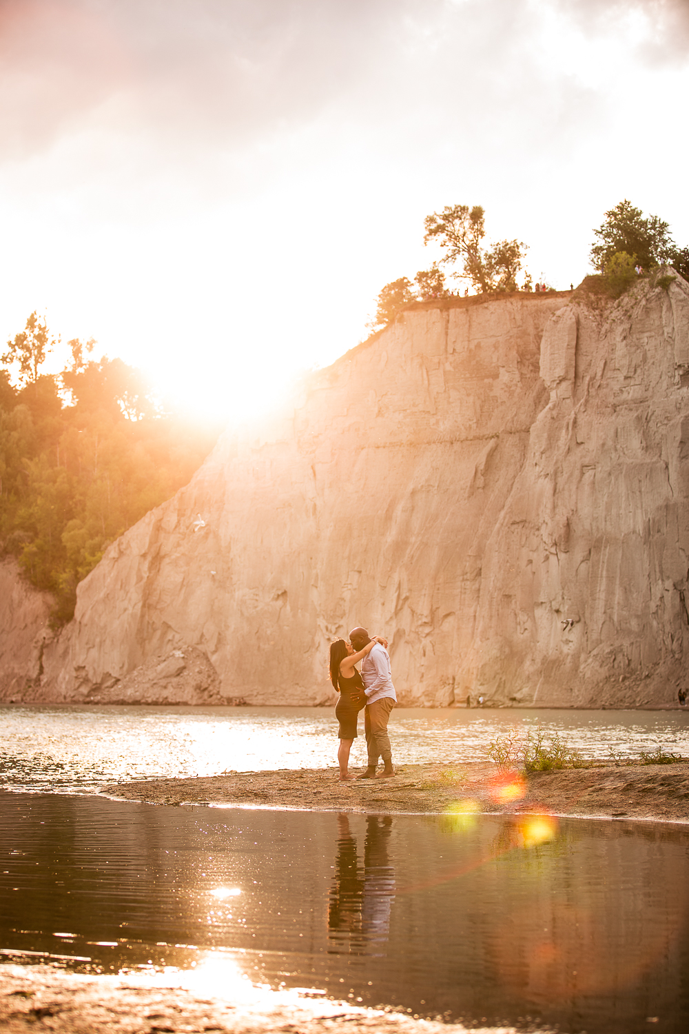 Scarborough-Bluffs-Maternity-Engagement-Shoot-0022.jpg