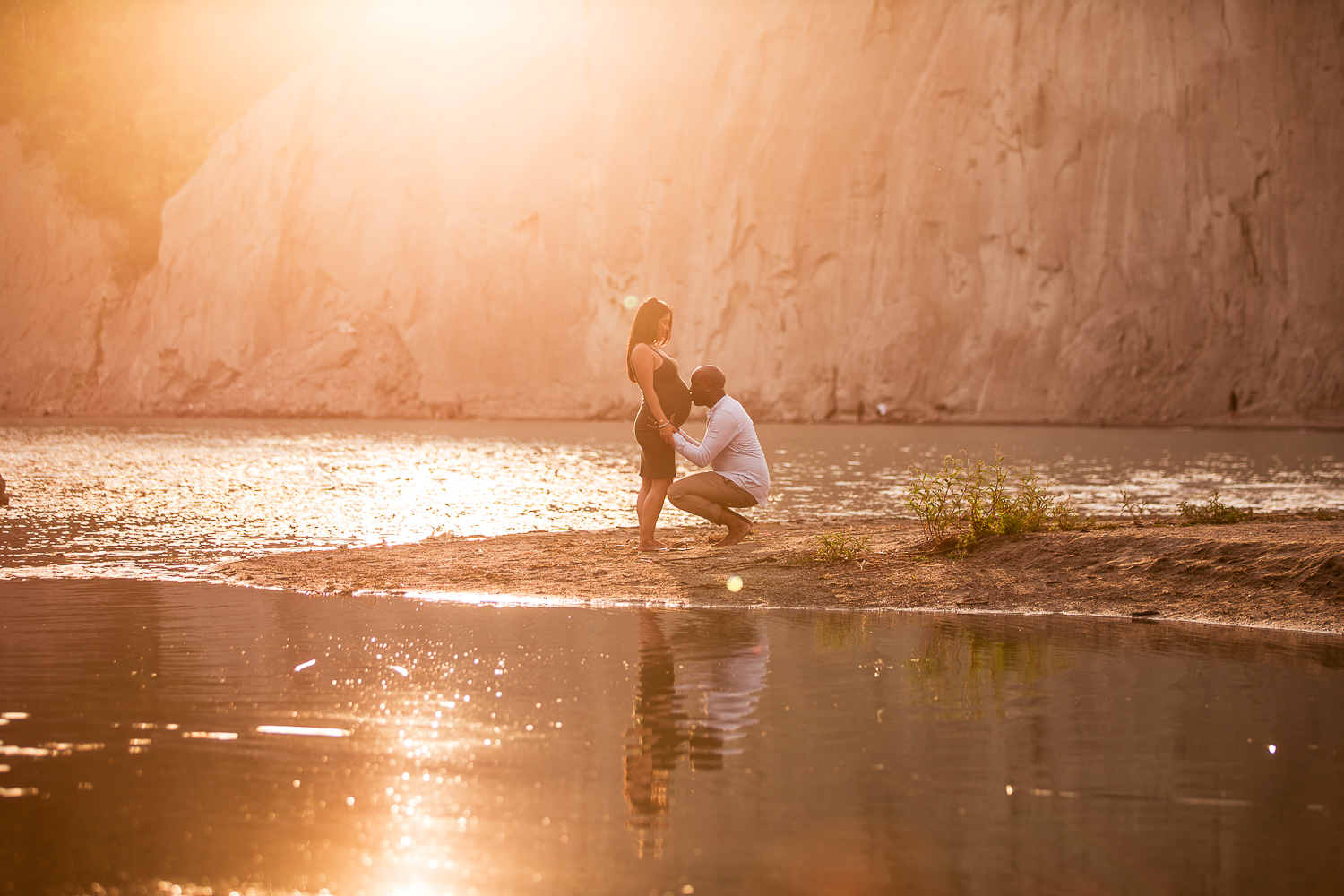 Scarborough-Bluffs-Maternity-Engagement-Shoot-0023.jpg