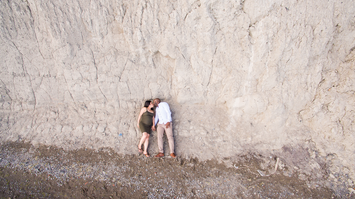 Scarborough-Bluffs-Maternity-Engagement-Shoot-0005.jpg
