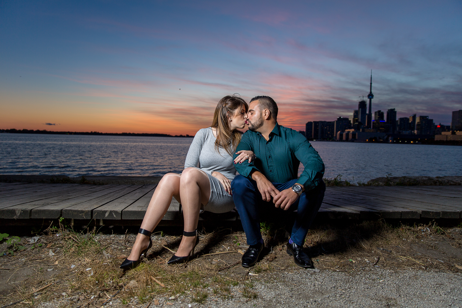 Distillery-District-Polson-Pier-Humber-Bay-Park-Engagement-Photos-0047.jpg