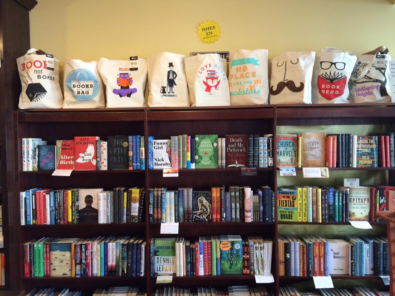 Market Block Books, 290 River St.