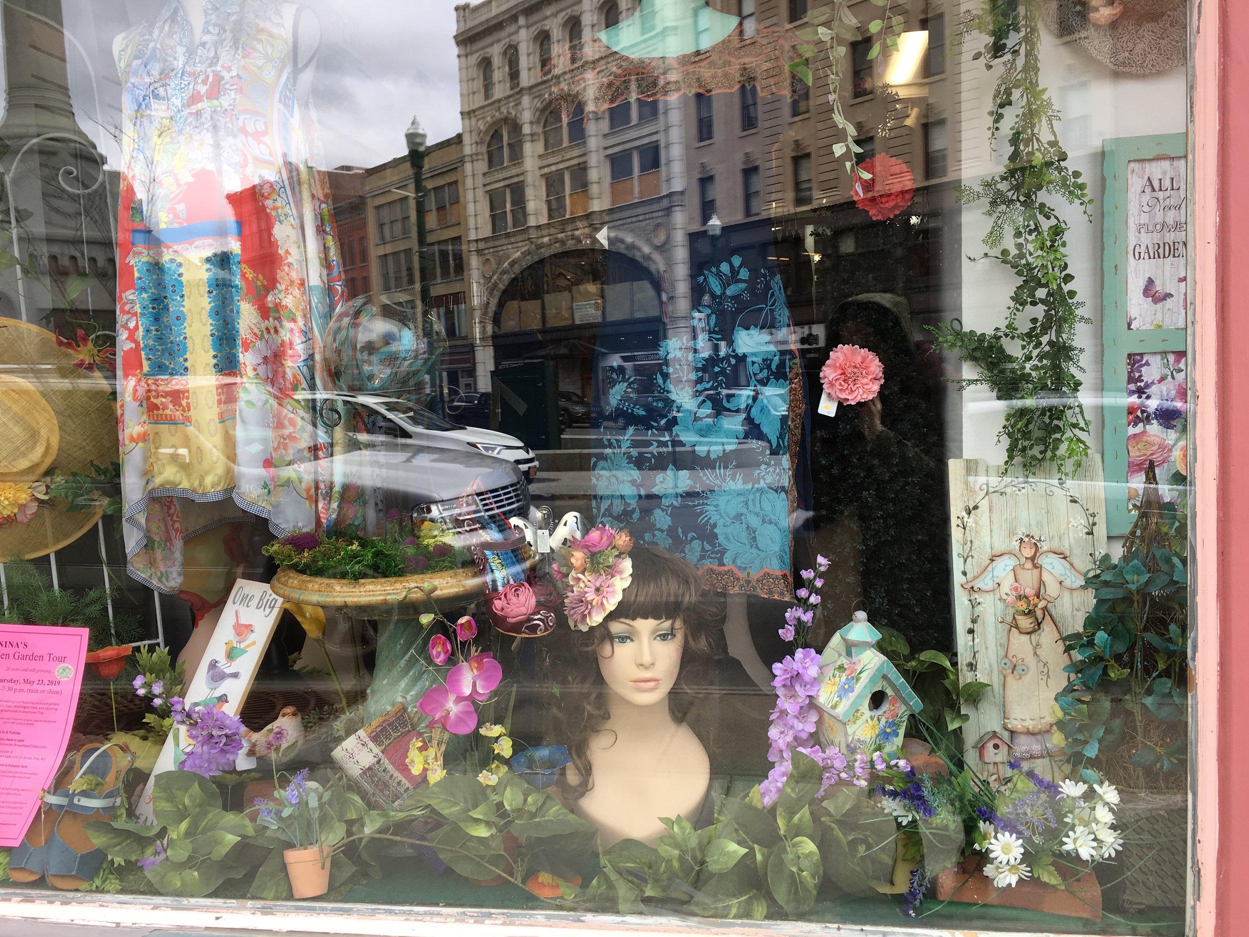 Truly Rhe Window 2019_04.JPG