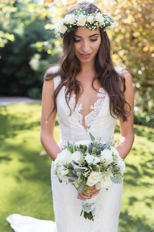 bride-bouquet-hidden-garden-los-angeles-wedding-heirloom-paper-invitations-the-garland