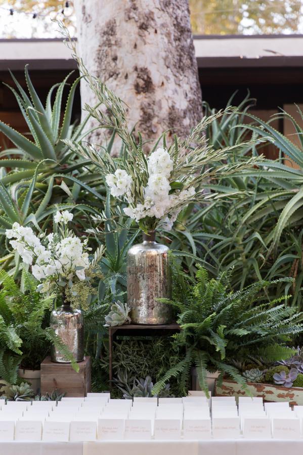 white-flowers-hidden-garden-los-angeles-wedding-heirloom-paper-invitations-the-garland-decor