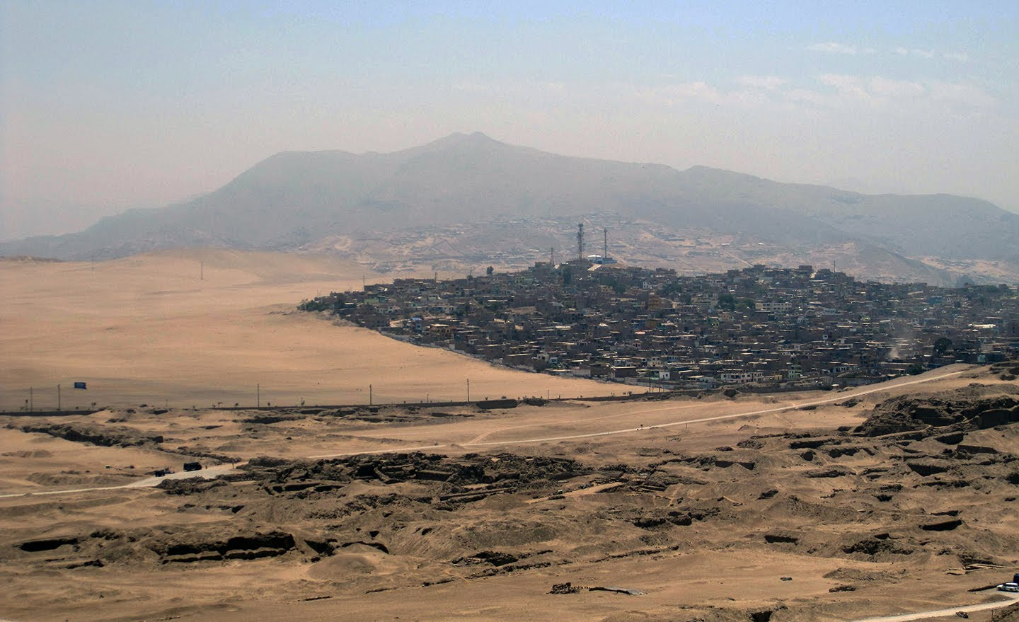 Julio Cesar Tello informal settlement encroaching on the eastern edge of Pachacamac.