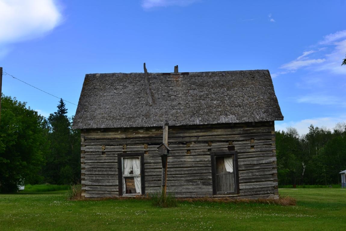 Image 5: Typical Métis folk home at Green Lake, Saskatchewan. Photograph by Jason Surkan.