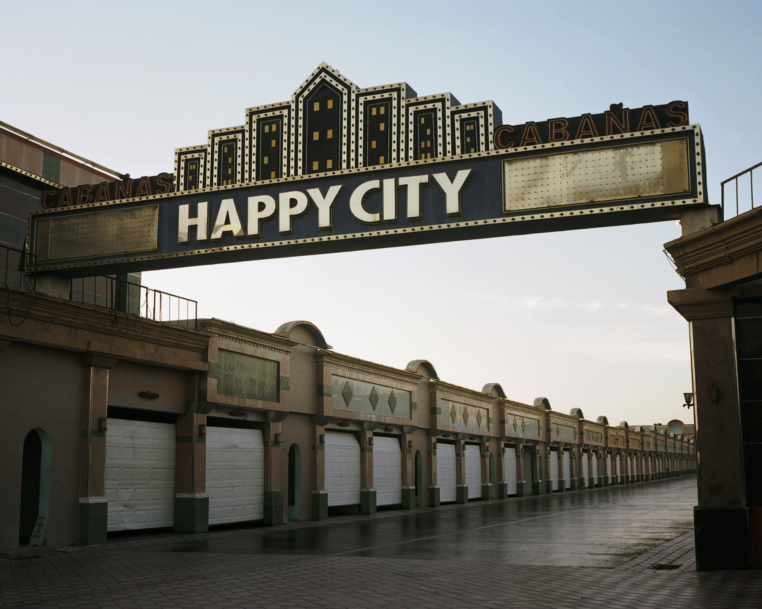 1 HAPPY CITY.jpg
