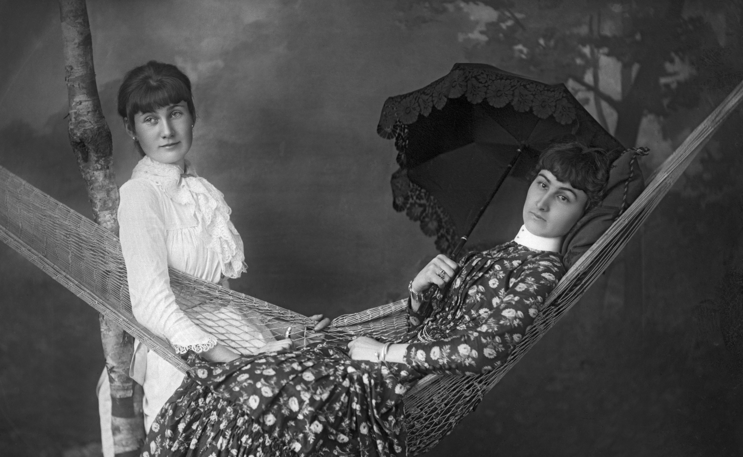 Image 6:  Anna and Louisa Spence , reversed glass plate negative, 1883 (Wm Notman & Son) © McCord Museum