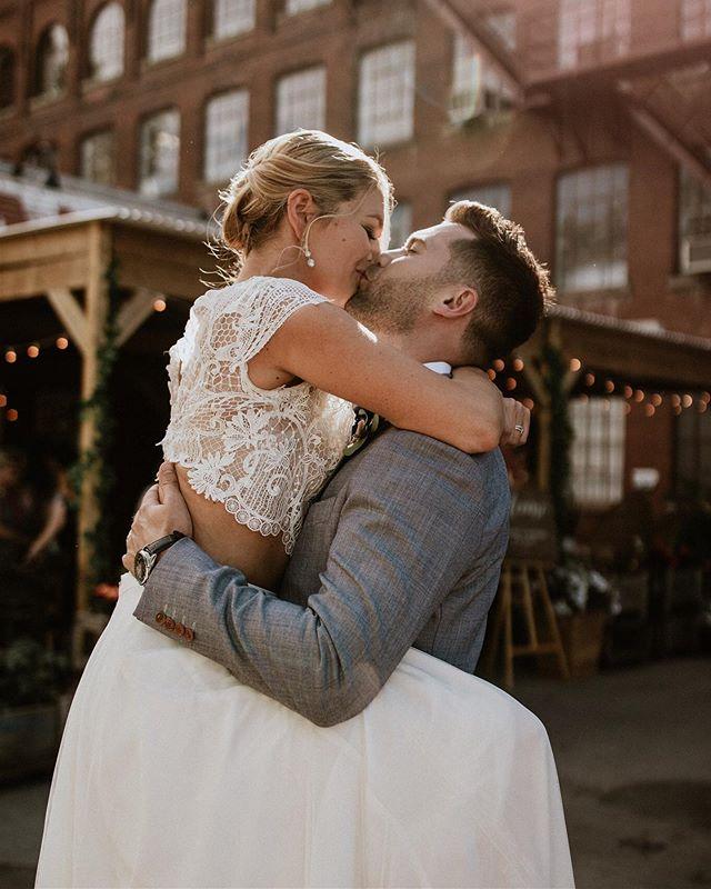 Amanda & Greg officially married on one of the most beautiful summer days, 08.06.2019 💍💕 We were so honoured to be witness to so much love! Cheers to the newlyweds 🥂 . . . #wedding #weddingvibes #brideandgroom #mrandmrs #newlyweds #happilyeverafter #allthefeels #loveisintheair #forevertogether #montrealwedding #urbanwedding #bride #montrealbride #weddingdress #bohovibes #bohostyle #goldenhour #weddingphotography #montrealweddingplanner #dekaevents #mariagequebec #canadianwedding #cannabiswedding #instawedding #hitched #kiss #instakiss #instalove