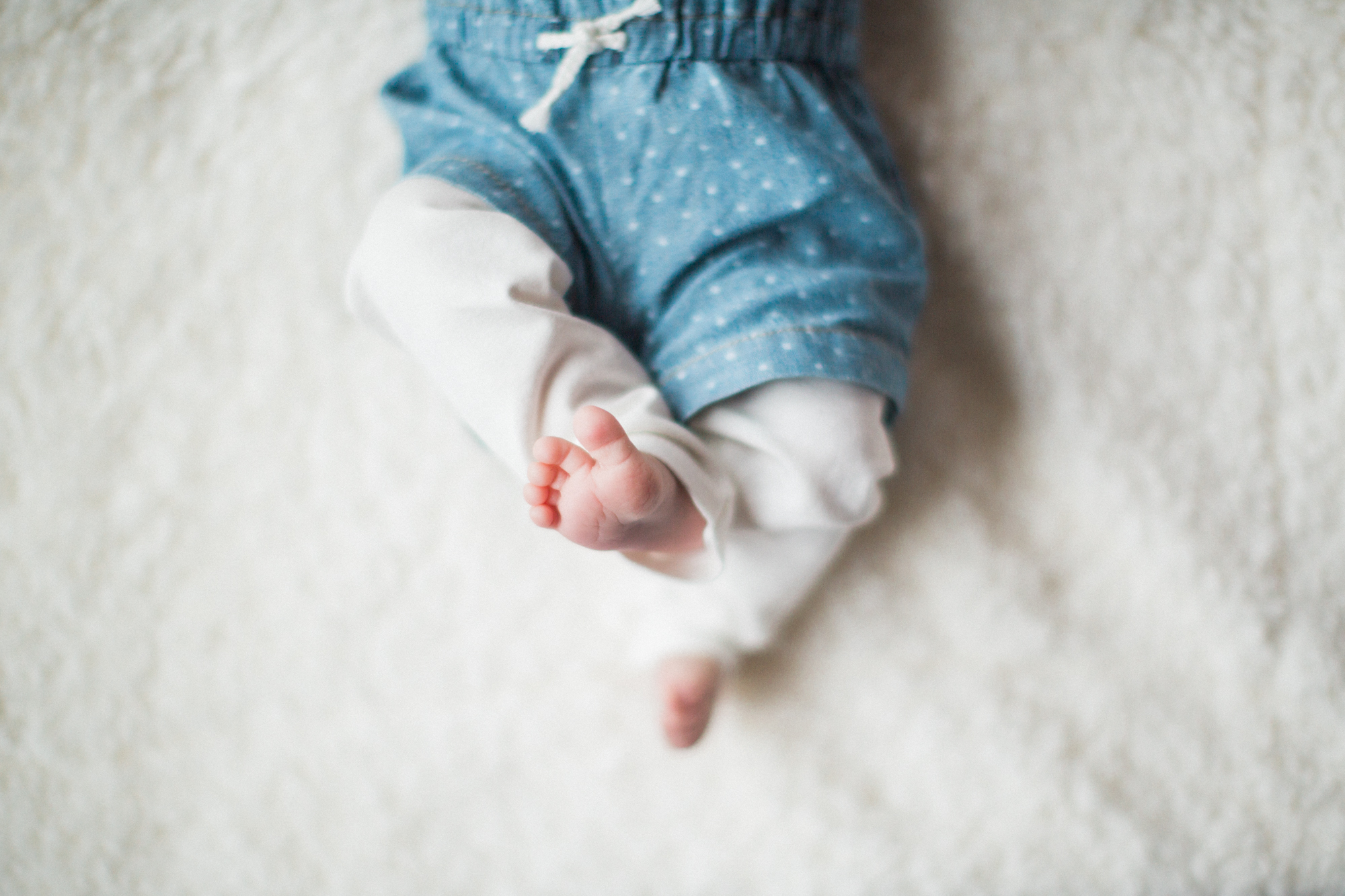 calgary-newborn-session-photography-photographer-pastels-baby-girl-6.jpg