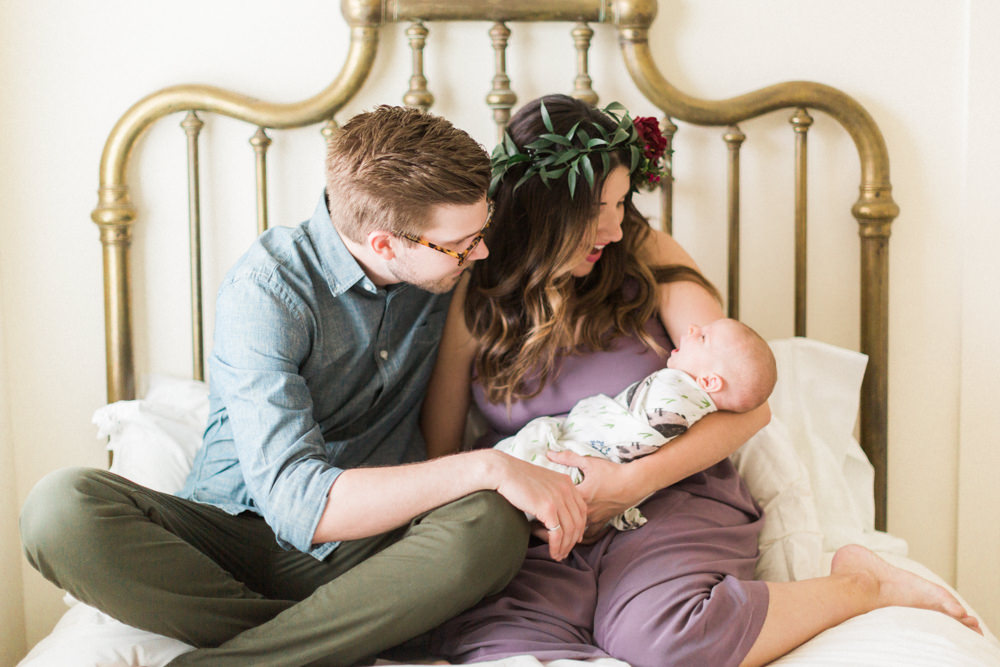 Calgary-Newborn-Photography-in-home-session-7.jpg