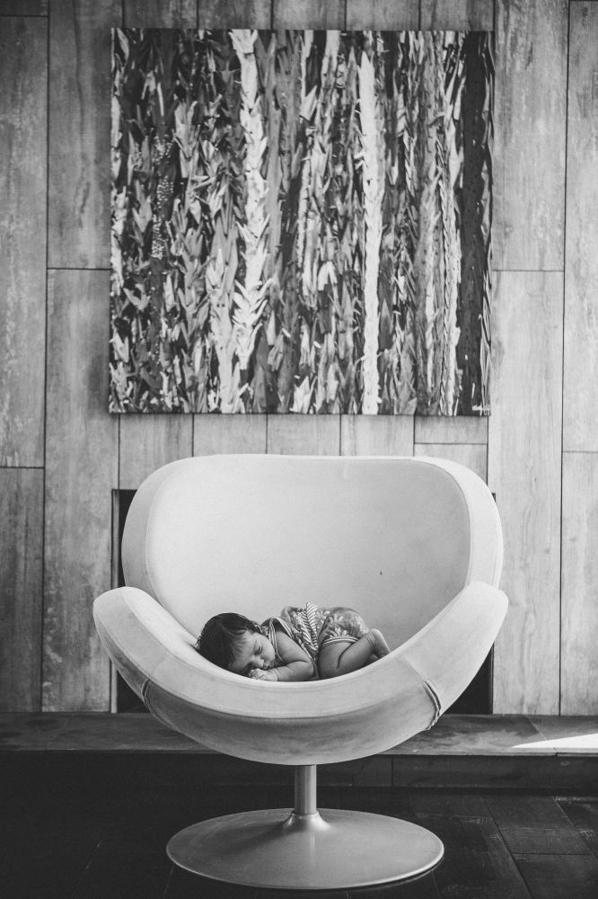 san   diego wedding photographer | monotone shot of child sleeping on chair