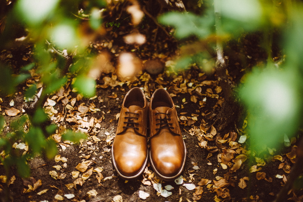 san   diego wedding photographer | tan shoes in middle of clearing on ground