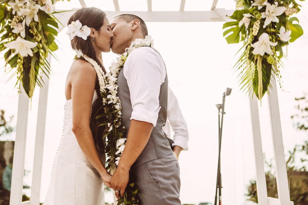 san   diego wedding photographer | couple with lay around their necks kissing